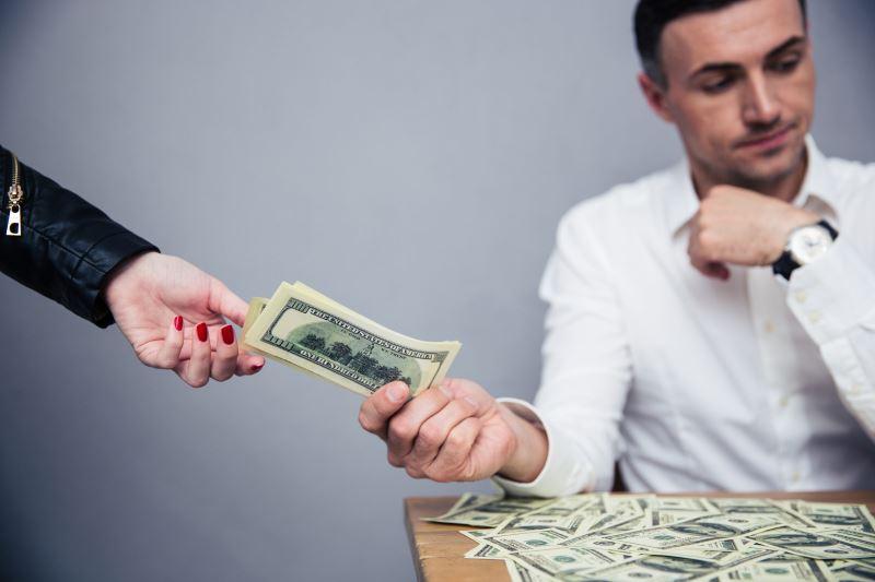 Ущерб и неустойка по договору поставки