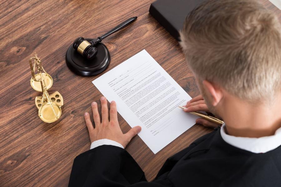 Отказ от иска в арбитражном процессе
