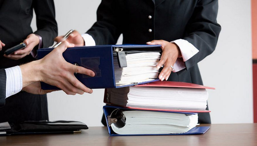 Кто может проводить правовой аудит организации? Какие полномочия есть у проверяющего?