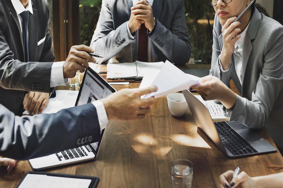 Для чего бизнесу необходим юридический аутсорсинг?